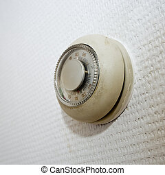 pared, viejo, termostato, sucio