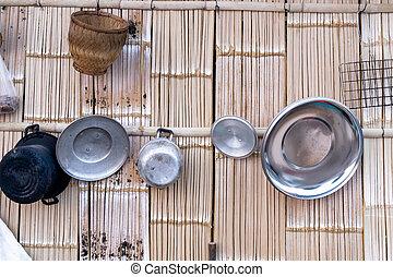 parede, cozinhar, tradicional, utensílios, madeira, básico, pendurado, tailandês, cozinha