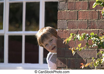 parede, menino, peeking, redondo