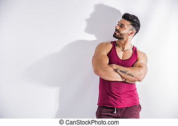 parede, muscular, bodybuilder, contra, inclinar-se, branca