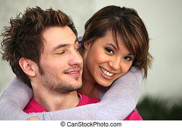 pareja, abrazado