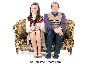 pareja, aburrido, sofá