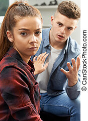 pareja adolescente, teniendo, apuros de relación