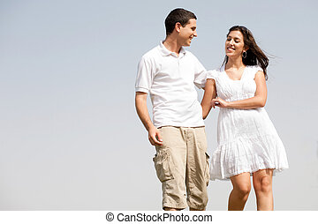 pareja, amor, caminata