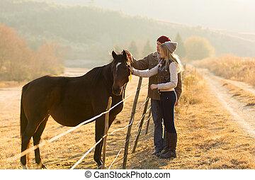pareja, caricias, caballo