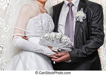 pareja, casado, abrazado, sólo