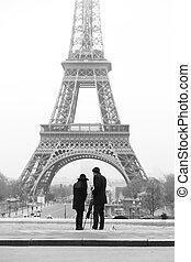 pareja, cautivadora foto, de, torre eiffel, en, paris.
