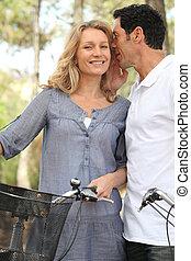 pareja, con, bicycles