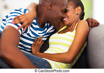 pareja, coquetear, africano