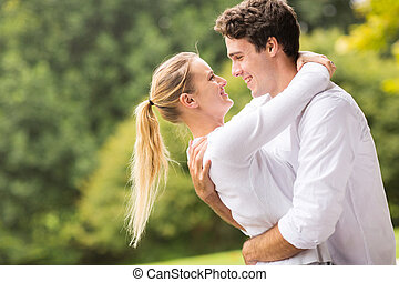 pareja, coquetear, joven, íntimo