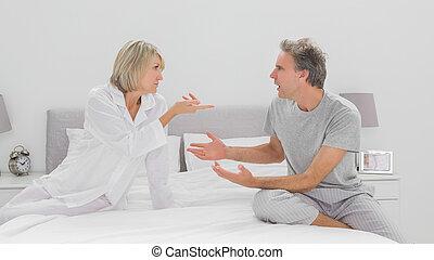 pareja, discusión, en, dormitorio