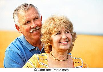 pareja edad avanzada