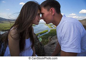 pareja, el mirar en, cada, otro, ojos