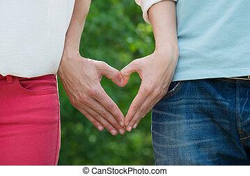 pareja, elaboración, forma corazón