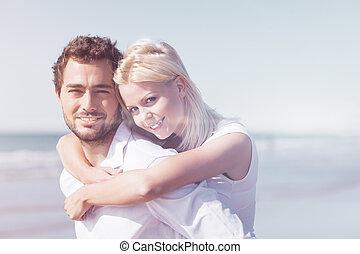 pareja, enamorado, en, verano, vacaciones de playa