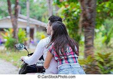 pareja, equitación, motocicleta, joven, mujer, turista, viaje, bicicleta, bosque tropical, vacaciones exóticas
