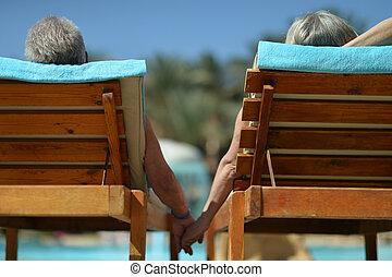pareja, espalda, anciano, vista