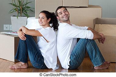 pareja joven, casa móvil
