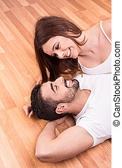 pareja, relajante, piso