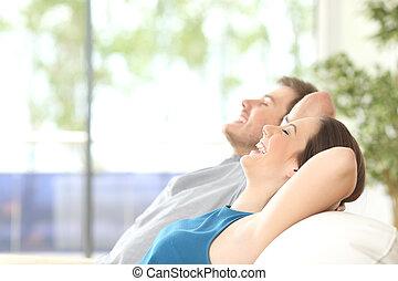 pareja, respiración, y, descansar, en casa