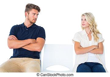 pareja, sentado, no, hablar