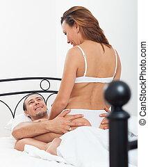 pareja, teniendo, despreocupado, sexo
