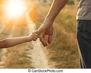 parent, main, petit, tient, enfant