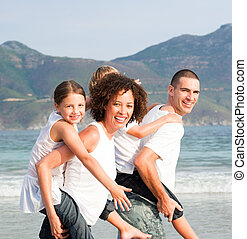 parents, enfants, donner, deux, promenades, ferroutage, jeune
