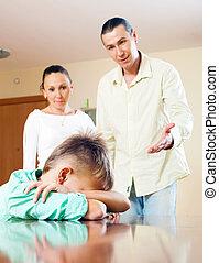 parents, fils, réprimander, adolescent