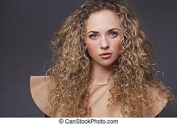 parfait, cheveux, femme, bouclé, portrait