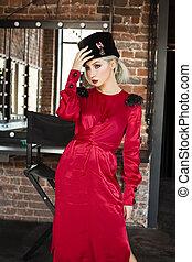 parfait, soyeux, femme, robe, mode, portrait, modèle, rouges
