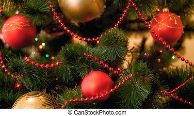 parfait, vivant, babioles, coloré, room., métrage, arbre, fetes, lumières, vidéo, 4k, pendre, closeup, noël, hiver