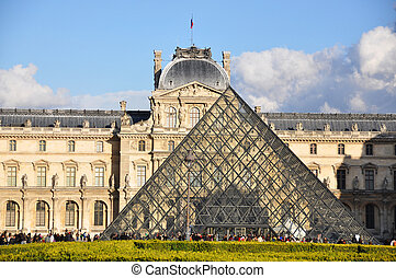 PARIS - APRIL 4: Louvre Museum on Easter, April 4, 2010 in...