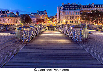 Paris. Bridge of Leopold Sedar Senghor. - The bridge of ...