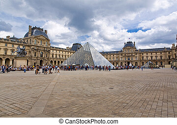 Paris - PARIS, FRANCE, August 9, 2014: The famous Louvre ...