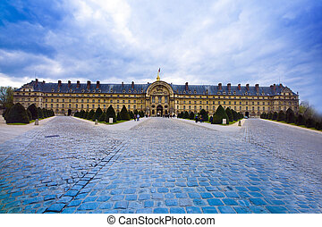 the verteranenhospital: hotel des invalides in paris, france.