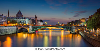 Paris Panorama. - Panoramic image of Paris riverside during...