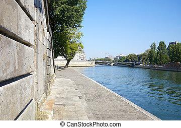 Paris, Seine river docks, nobody in a sunny summer day