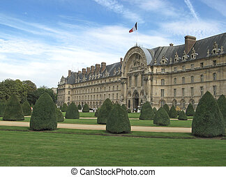"""the garden and the """"hotel des Invalides"""" in Paris"""