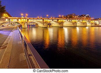 Paris. The new bridge at night.