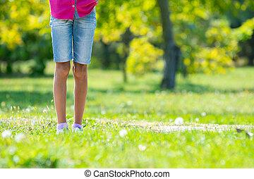 park., クローズアップ, 子供, フィート, 芝生