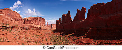 Park Avenue Trail panorama, Arches National Park, Utah, USA