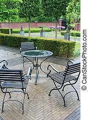 park cafe in rain