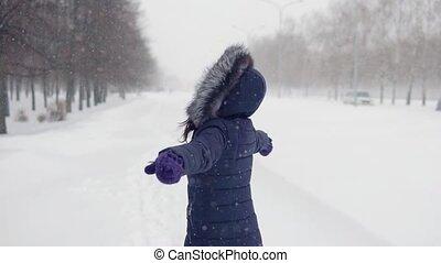 park., femme, beau, promenades, ouvert, hiver, air