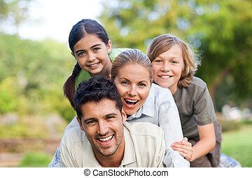 park, rodzina, szczęśliwy