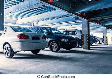 parkeergarage, interieur, met, een, weinig, geparkeerd,...
