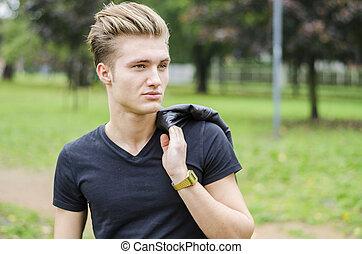 parkera, ung, attraktiv, blond, utomhus, man