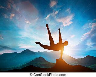 parkour, 上に, 岩, 跳躍, 行動, 山。, 人