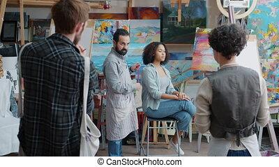 parler, classe, peinture, prof, expérimenté, théorie, arts, expliquer, groupe, étudiants