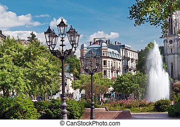 parque central, con, un, fountain., europa, alemania, baden-baden.